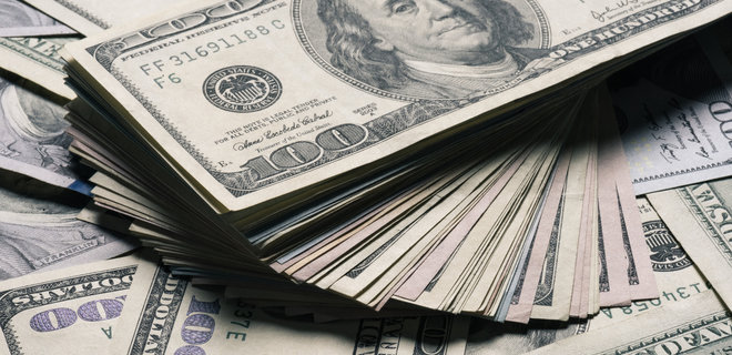 Курс НБУ: доллар дешевеет, евро дорожает