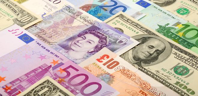Стоимость валютных депозитов рекордно упала
