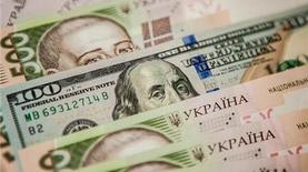 НБУ будет проводить валютные интервенции в новом формате