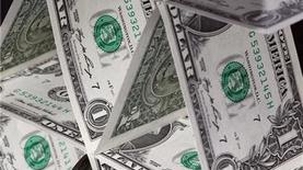 К закрытию межбанка доллар потерял 21 копейку