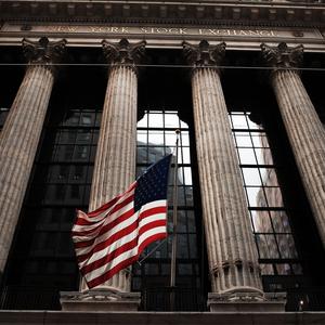 Сенаторы США требуют предоставить данные о счетах россиян