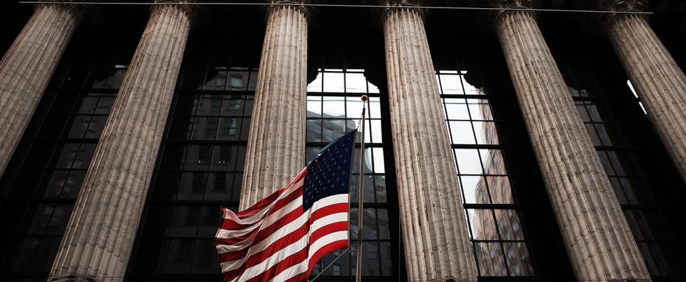 США ввели санкции против 38 российских олигархов и компаний
