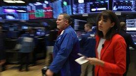 Азиатские рынки обрушились на фоне обострения между Китаем и США