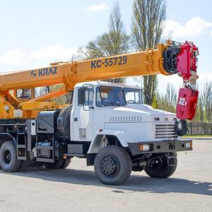 АвтоКрАЗ представил свой самый мощный автомобильный кран: фото
