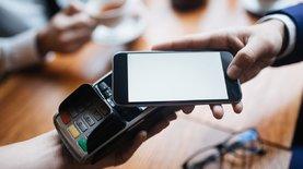 ПриватБанк запустил Apple Pay